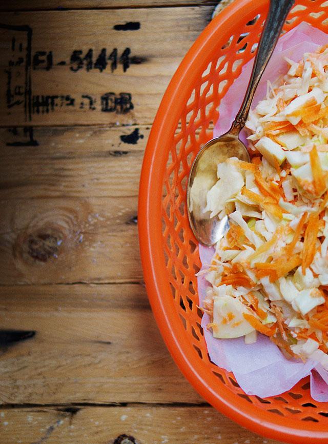 burgers-coleslaw